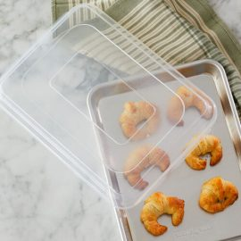BAKING SHEETS & COVERS